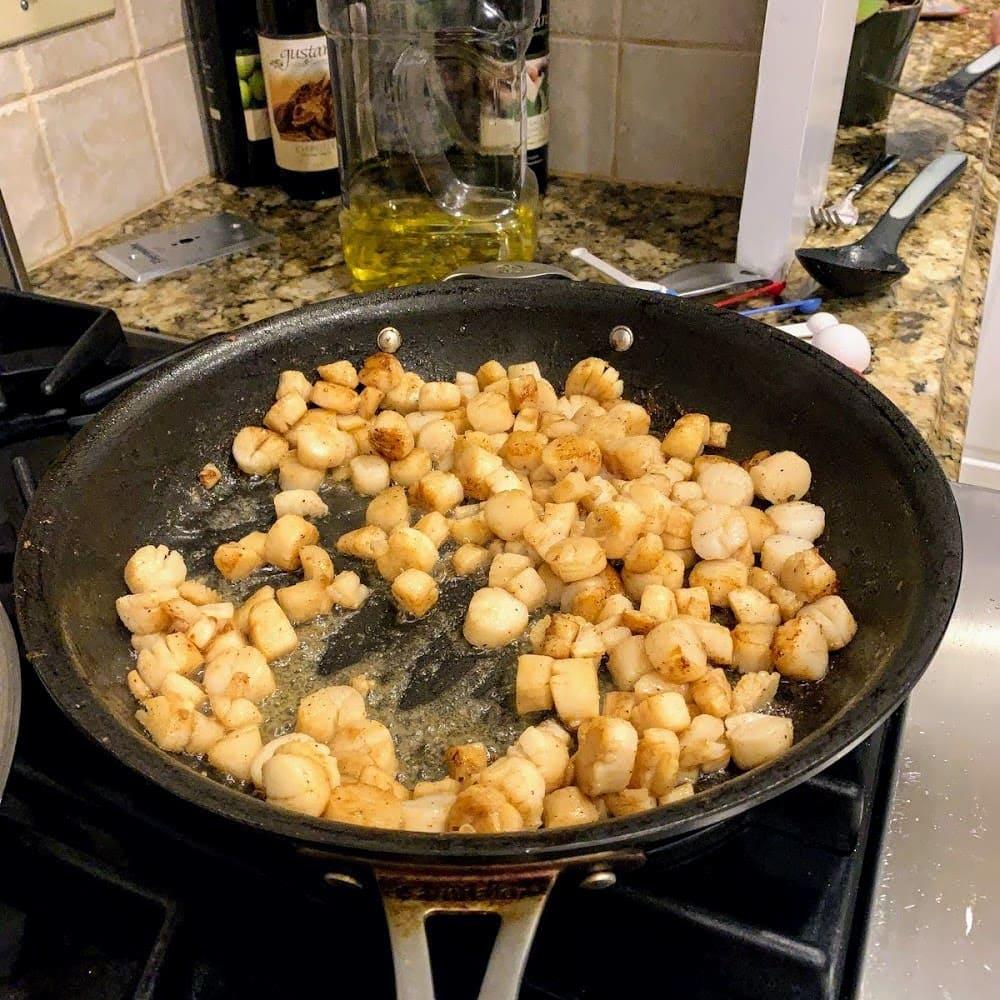searing scallops in pan
