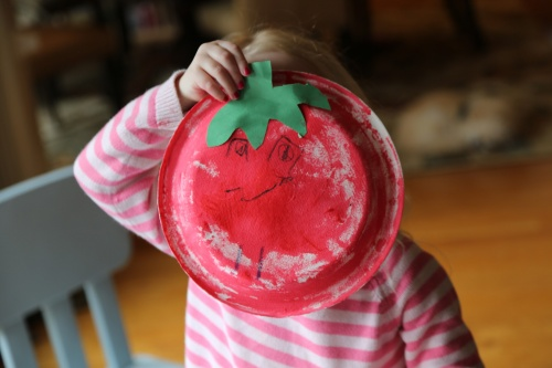 Paper plate tomato craft
