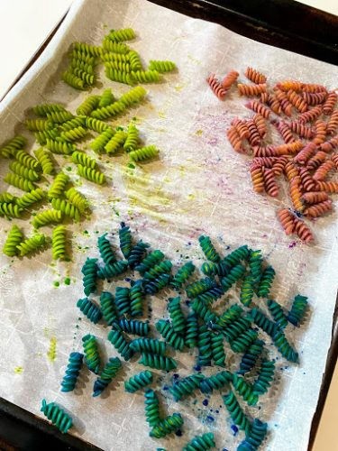 Three colors of rotini for an easy kids valentine craft