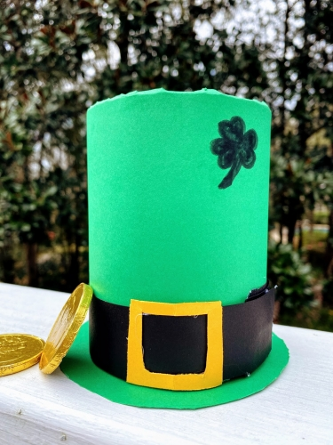 DIY Tin Can Leprechaun Hat with gold coins