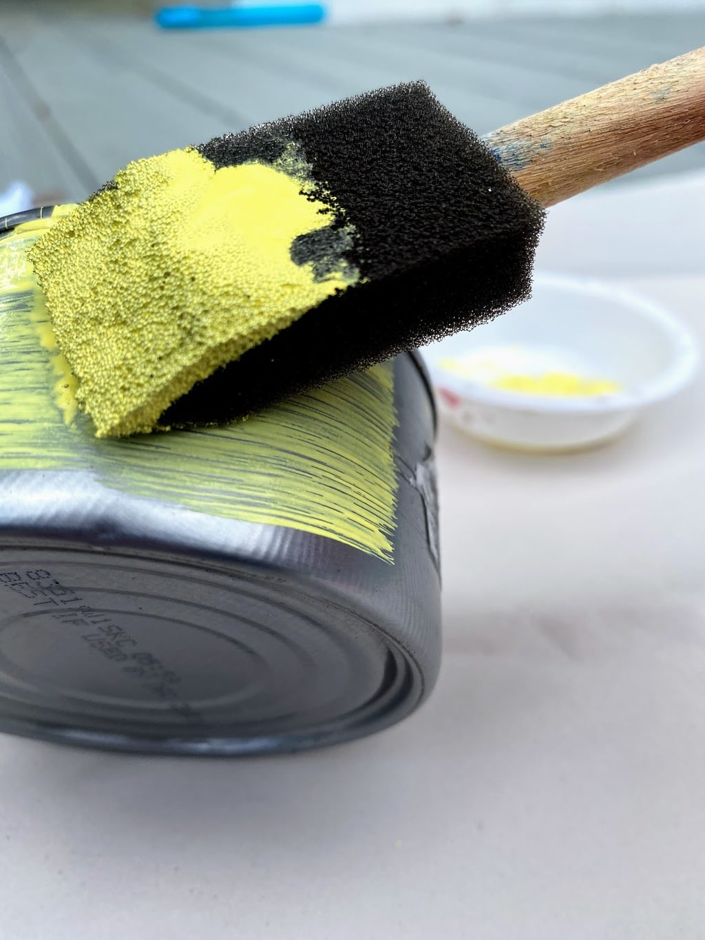painting can yellow