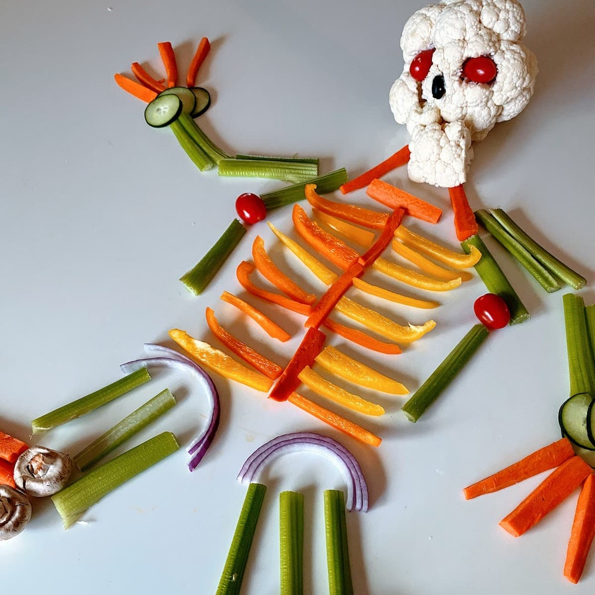 vegetable tray formed into skeleton