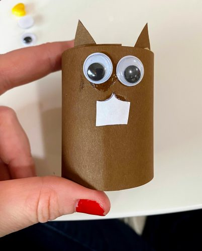 squirrel napkin ring with eyes, teeth and ears