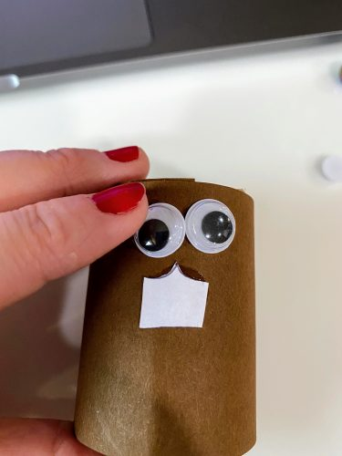 squirrel napkin ring with eyes and teeth