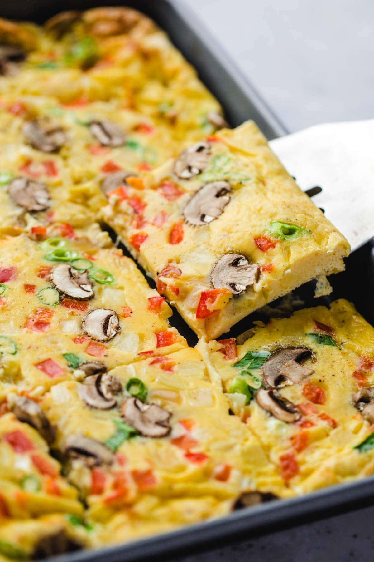 sheet pan eggs with mushrooms and pepper