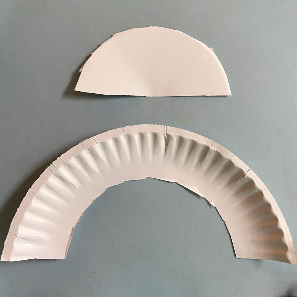 paper plate's edge cut out